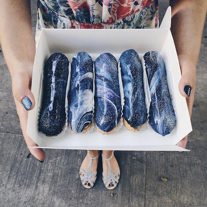 Украинская хлебобулочная фабрика создает галактические эклеры, которые выглядят слишком хорошо, чтобы их есть, разное, фото