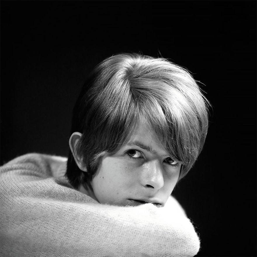 Фотографии 20-и летнего Дэвида Боуи, позировавшего для обложки своего дебютного альбома в 1967 году, фото, Дэвид Боуи, David Bowie, дебютный альбом, Gerald Fearnley, Джеральд Фирнли